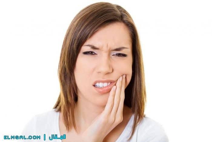 أعراض و مخاطر و علاج الأسنان المكسورة والإسعافات الأولية