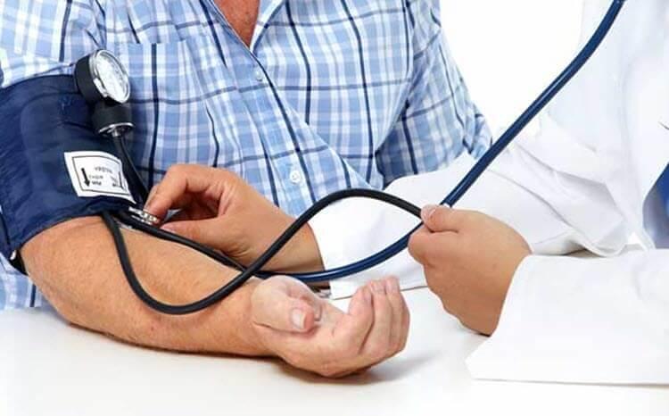 اوميجا 3 تساعد على خفض ضغط الدم